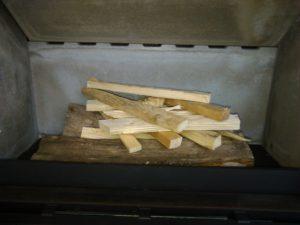 démarrage inversé d'un feu de bois